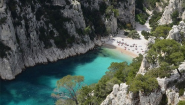 Day tour from marseille to Aix en Provence, Cassis and Marseille Calanques of Cassis