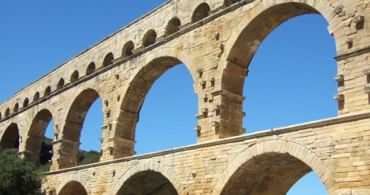 Private full day tour Aix en Provence, Avignon and Pont du Gard
