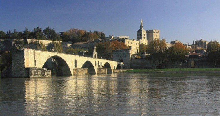 Private full day tour Avignon and Chateauneuf du Pape