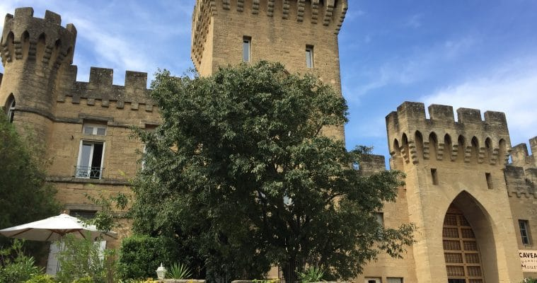 Create your own full-day experience from Avignon